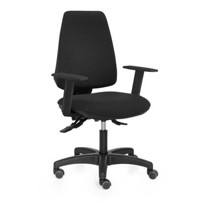 Silla Adapta. Mecanismo sincro. Respaldo y asiento tapizado color negro. Brazos regulables en altura. Ruedas blandas para no rayar el suelo.
