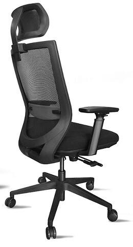 Silla Corba3. Respaldo malla negra y asiento tapizado negro.