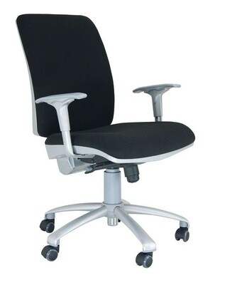 Silla Signo Silver Sincro. Respaldo y asiento tapizado.