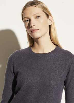 VINCE. Fitted Cashmere Crew Pullover