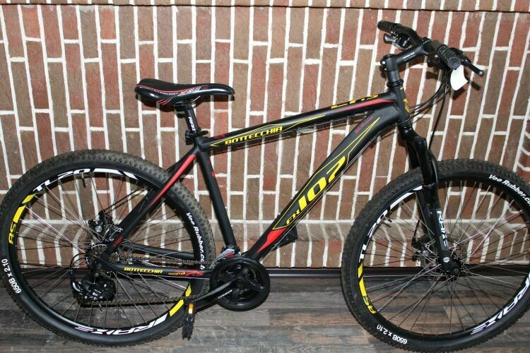 Bottecchia 107 MTB 27,5 Zoll BLACK-MATT  21G