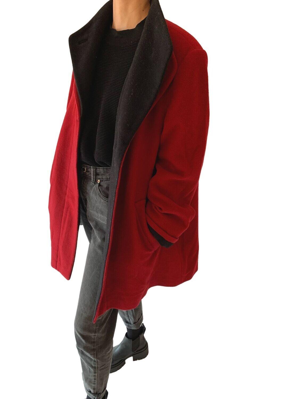 Crveno-crni kaput