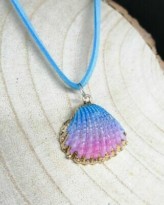 "Cockle Dyed Shell with Blue Faux Suede 20"" Necklace"