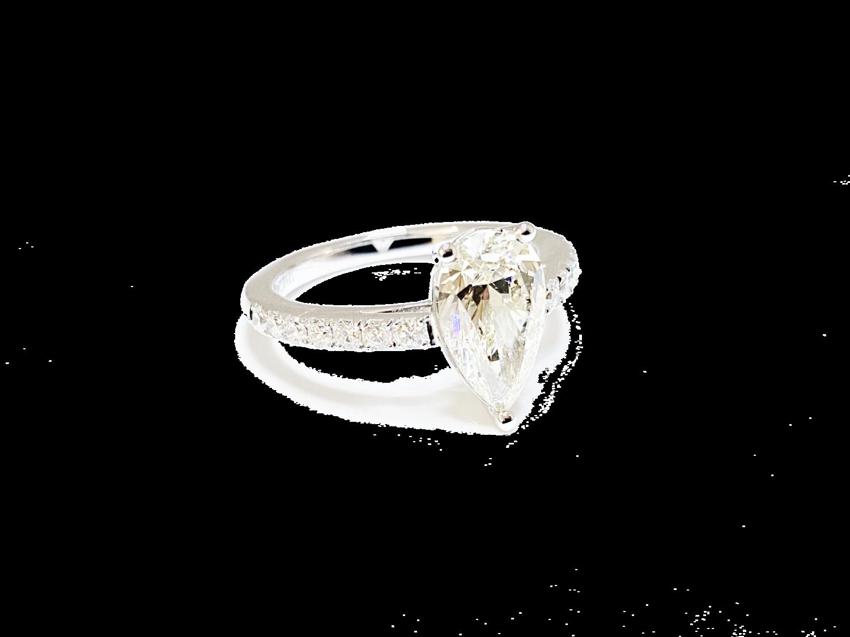 Кольцо с бриллиантом 2,01 карат