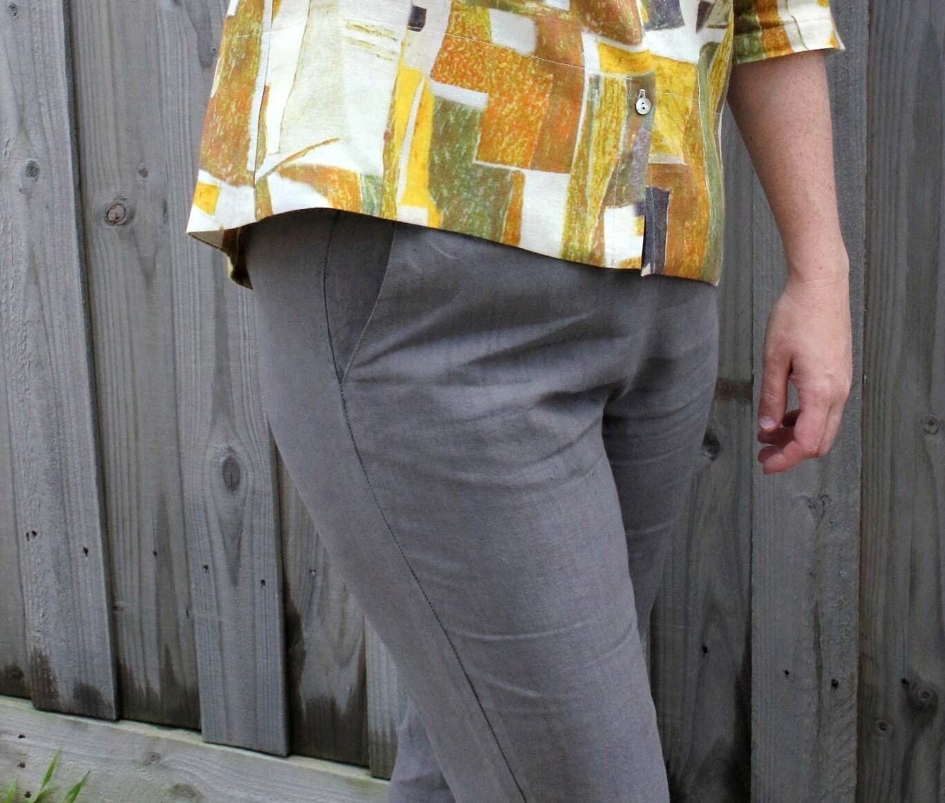 Tapered Leg Linen Pants with Pockets