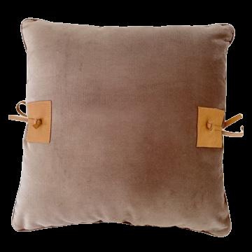 Almofada veludo amarras de couro