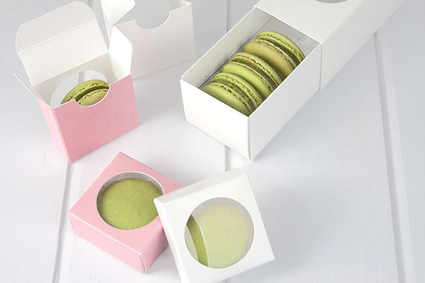 1 Macaron In a Paper Box with Window