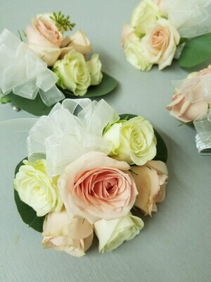 Corsage Package - Quantity 6