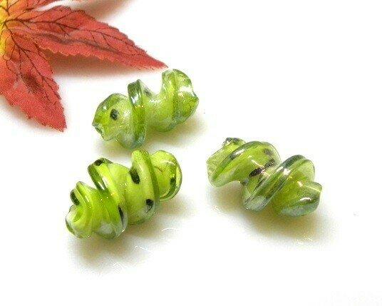 Perle in vetro Fusillo Verde 28x16 mm-2 pz