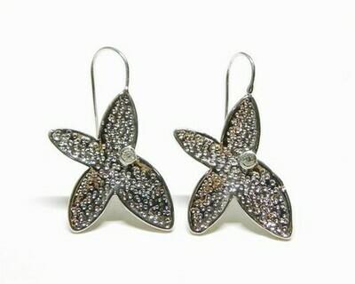 Orecchino Farfalla in acciaio con zircone