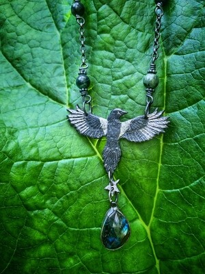 Magpie Pendant with set 'Magpie' Labradorite and Kombaba Jasper beaded chain