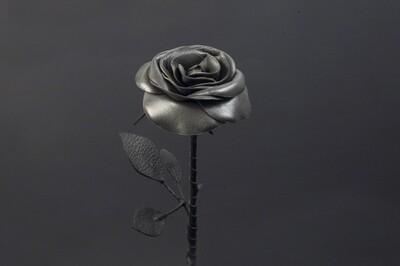 Роза стальная