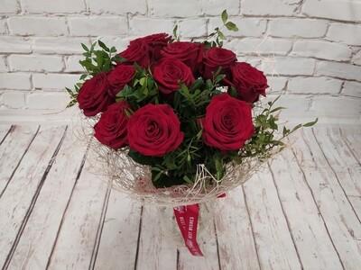 11 роз бордо в Упаковке