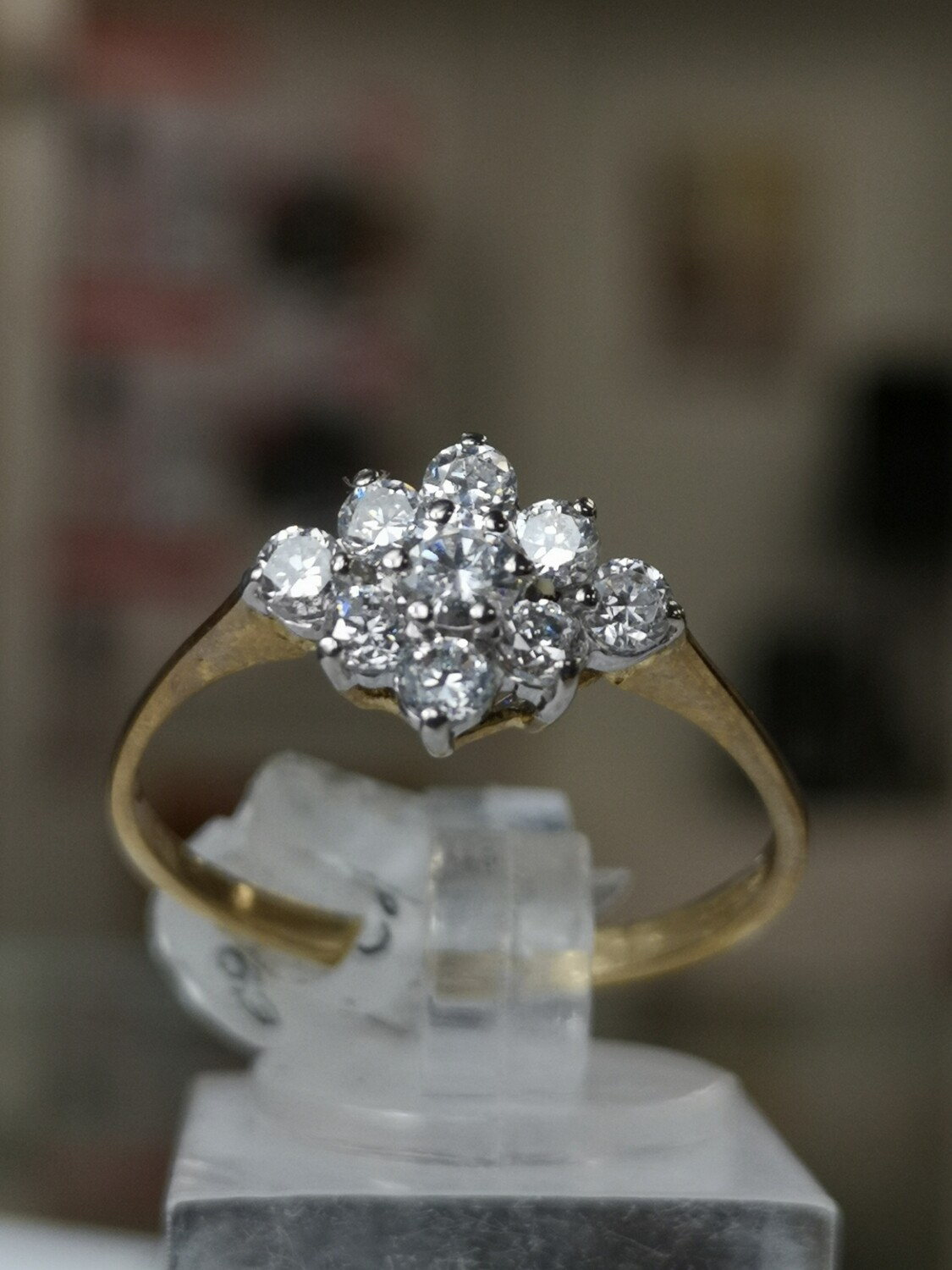 9ct Gold Ring Yellow Gold Cz