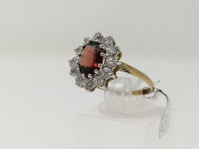 9ct Gold Ring Red Stone 375