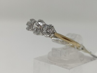 9ct Gold Ring 375 CZ Stone