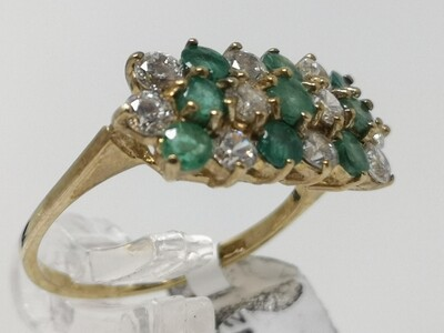 Gold Ring 9ct 375 CZ Green Stones