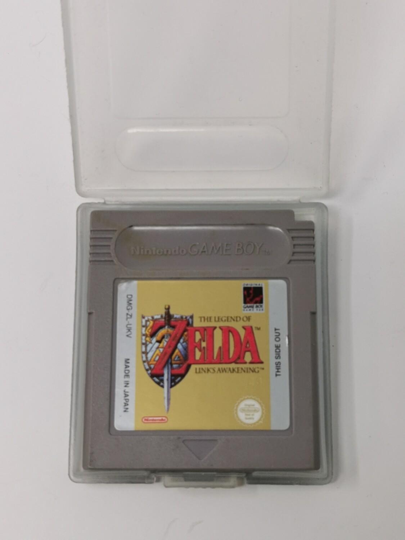 The legend of zelda link's awakening Nintendo Game Boy
