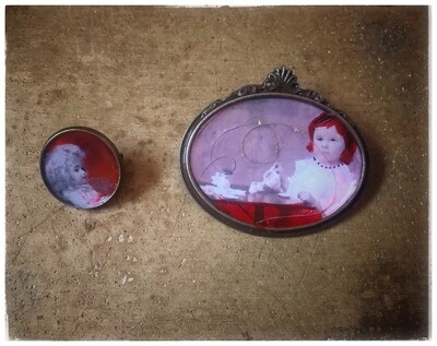 """Set of 2 brooches """"The Missing"""""""