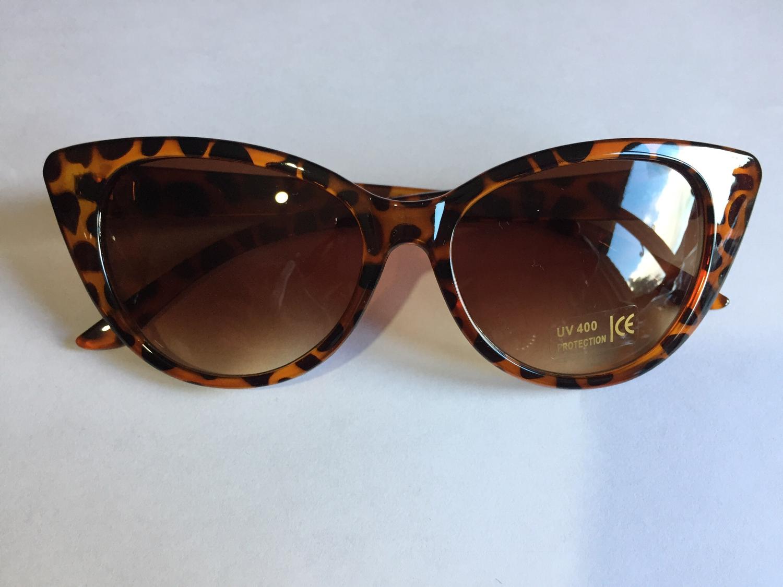Tortoiseshell cats eye sunglasses