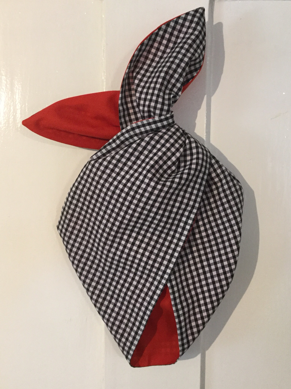 Black gingham ( mini gingham ) with red wired hairband