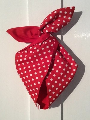 Red polka / plain red