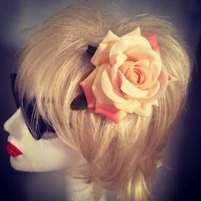 Peach Rose Hairflower