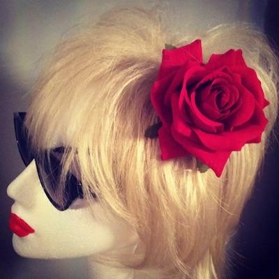Red rose hair flower