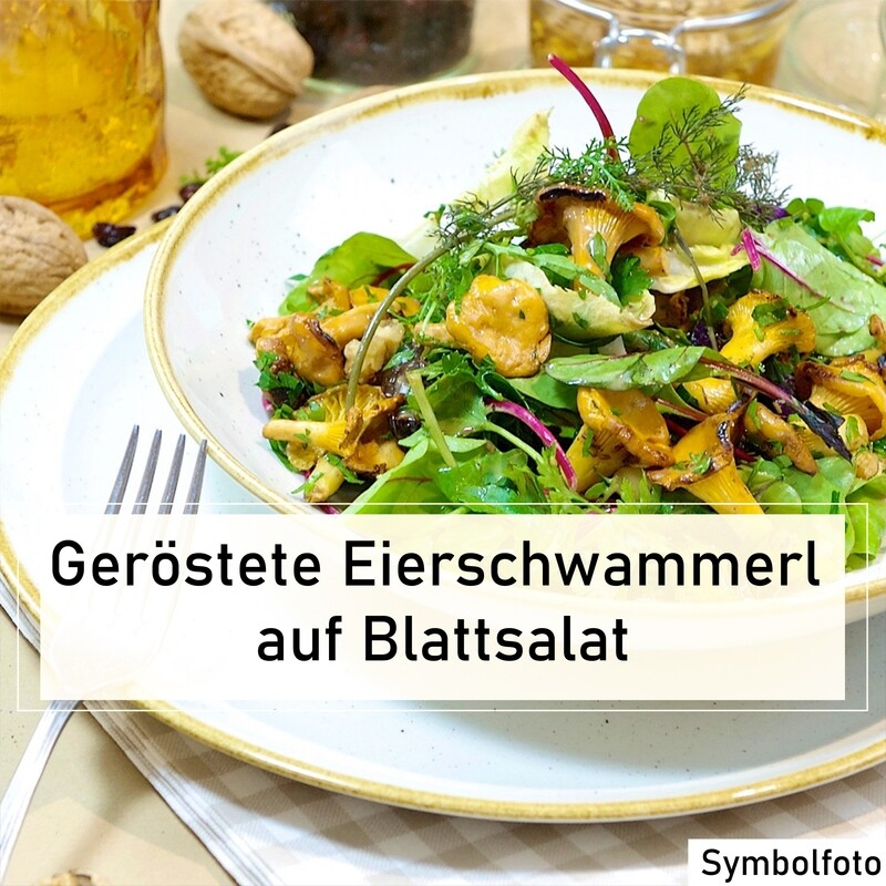 Geröstete Eierschwammerl auf Blattsalat
