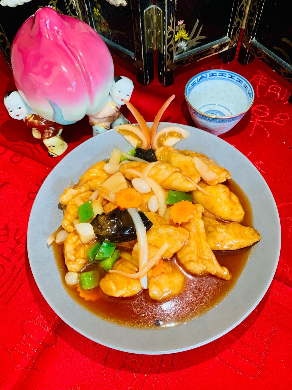 Poisson rissolé à la sauce aigre-douce