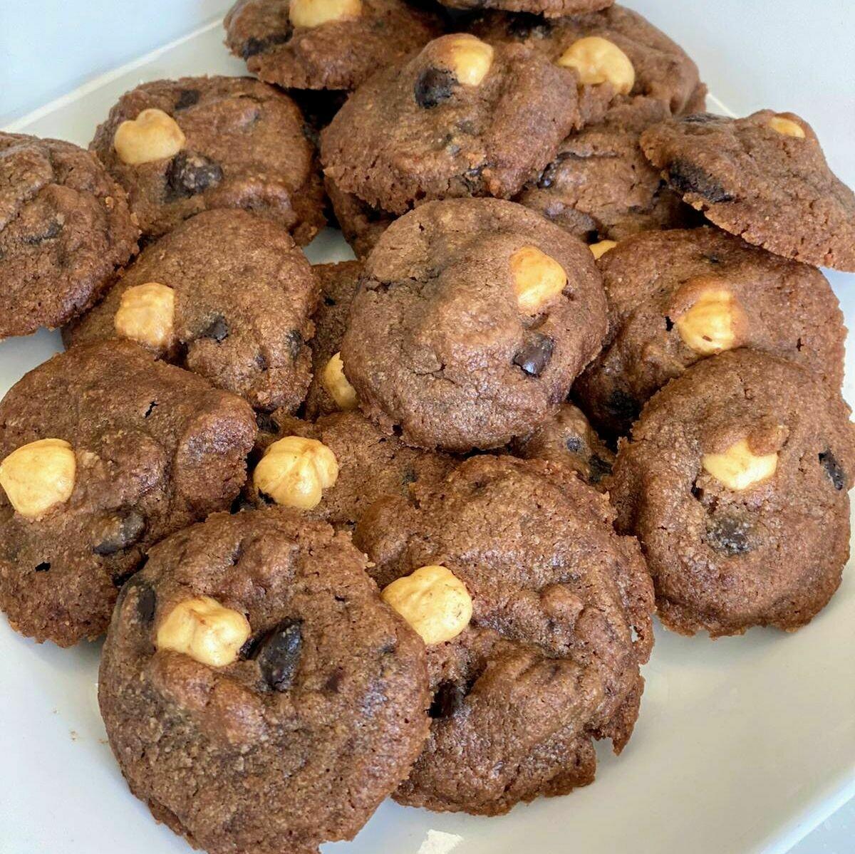 Double Chocolate Chip Hazelnut Cookies (400gm)