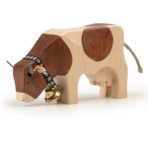 Vache 2 brune mangeant en bois Trauffer no 1070