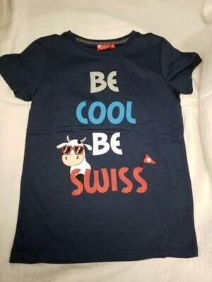 Tee shirt marine imprimé Be Cool Be Swiss avec vache et drapeau Suisse