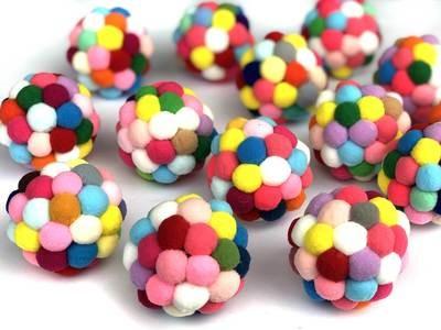 Bunter PomPom Ball