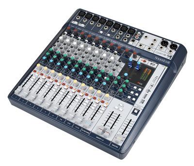 Soundcraft Signature 12 mixer