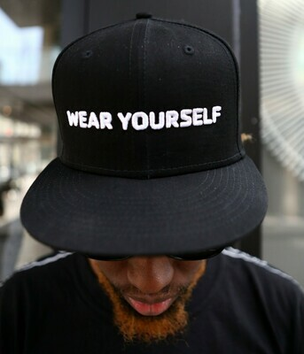 WEAR YOURSELF Premium Snap Back *LIMITED COLLECTION* GO(O)D Company x New Era Collab-Black/White logo