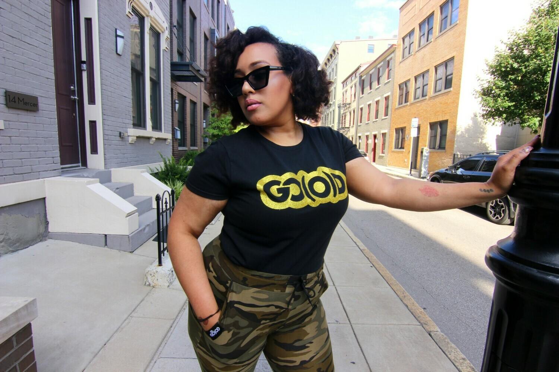 Women's GO(O)D Classic tee-black/gold glitter logo