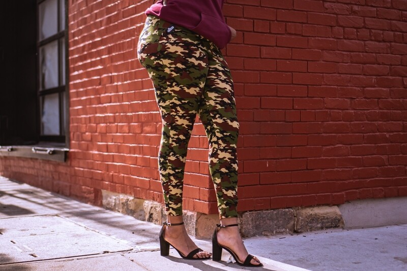 Women's Multi-Color Camo Joggers-green/tan/black/maroon