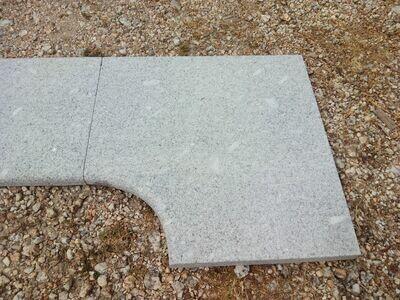 Pièce d'angle en granit gris bleu