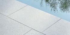 Margelle en granit gris clair