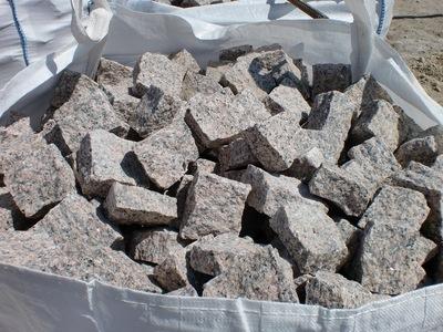 Pavé granit rose clivé - 10.57€/m2 HT