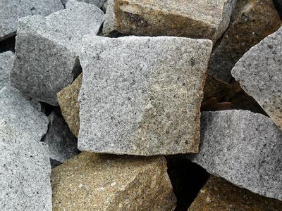 Pavé granit mixte clivé - 7,40€/m2 HT