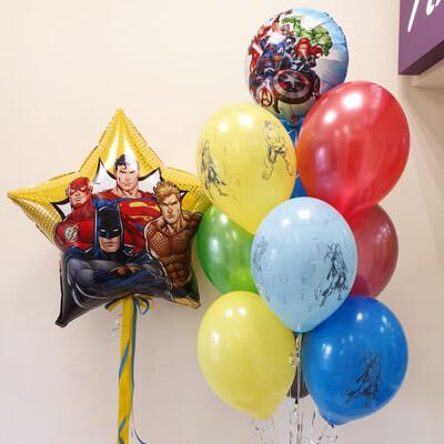 Композиция из воздушных шаров с рисунком.