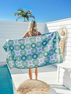 Sand Free Towels by Breathing Travel - Green Sea