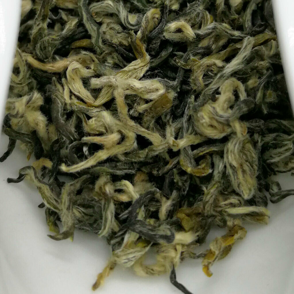 Би Ло Чунь Дунтин зеленый чай