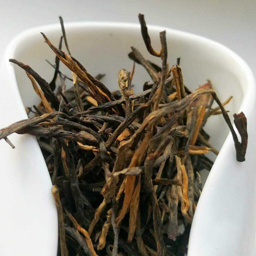 Сун Чжэнь дяньхун красный чай