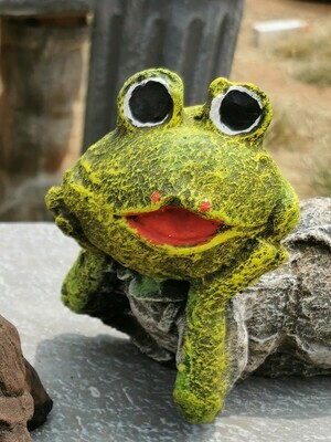 Pouting Froglet Statue