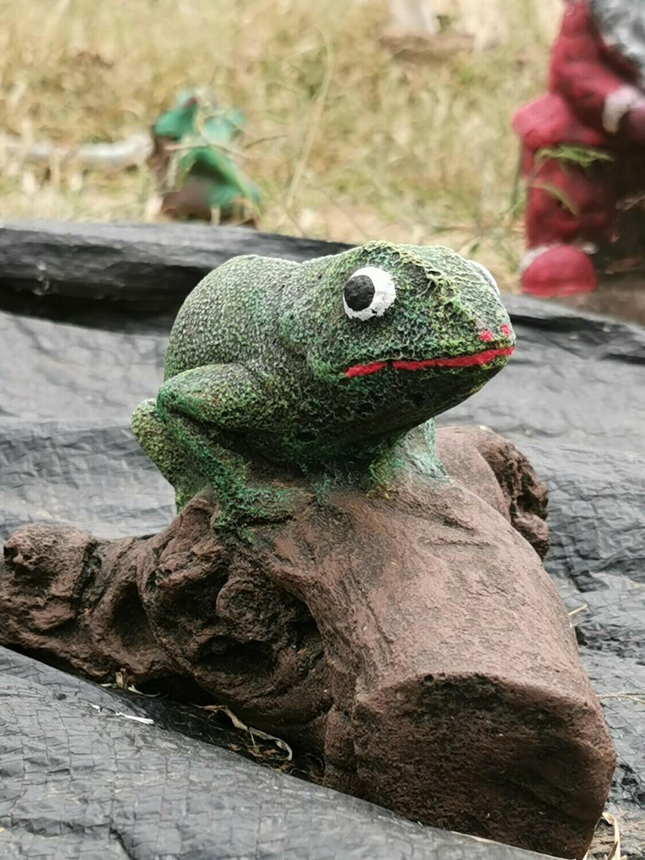 Green Chameleon on a Log Statue