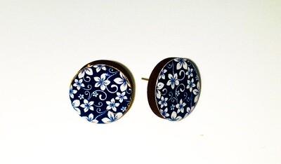 Dome stud earrings: Navy & White Flower