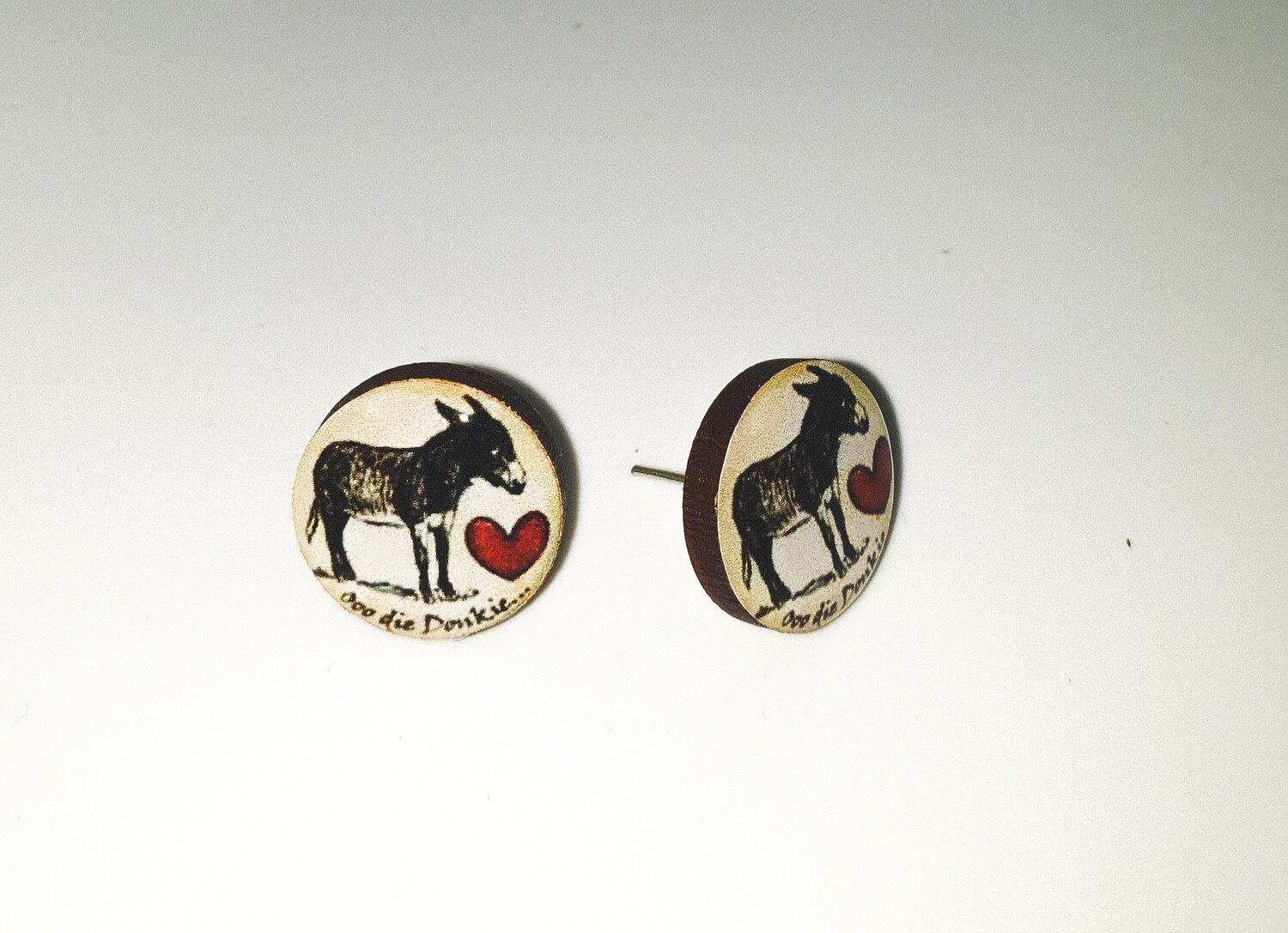 Dome stud earrings: Donkey with heart